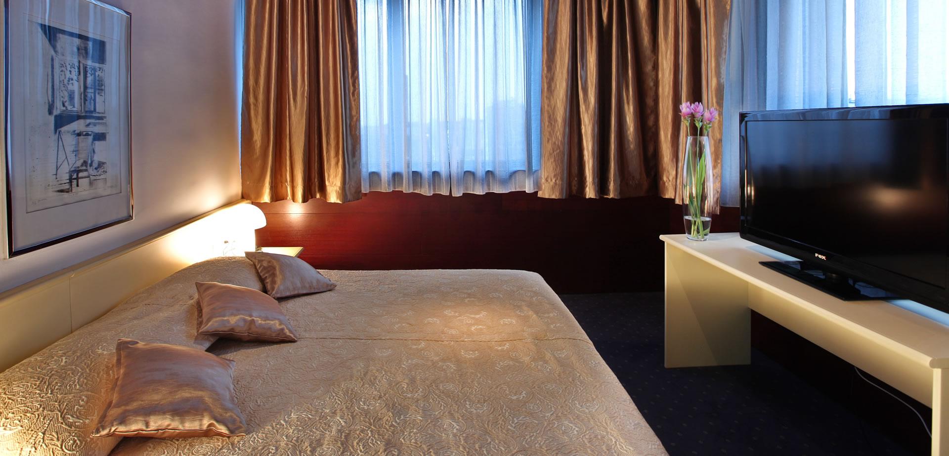 SENIOR APARTMAN - spavaća soba